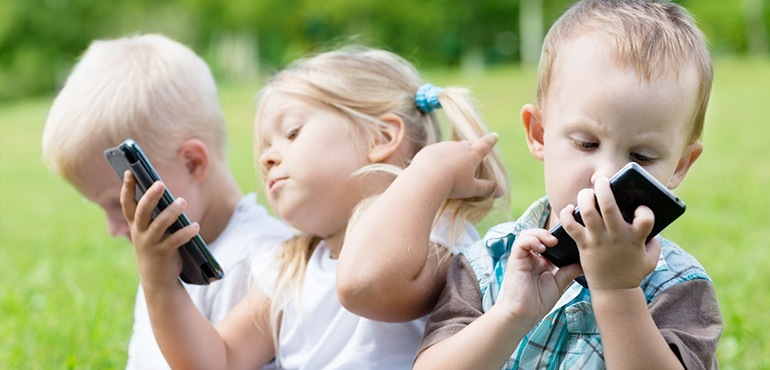 Kids Phones: Save Money With A Refurbished Phone